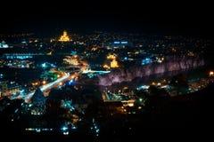 Gruzja, Tbilisi - 05 02 2019 - Areal widok nad Tbilisi starym miasteczkiem i Avlabari okręgiem przez rzecznego Mtkvari Uświęcony  zdjęcia royalty free