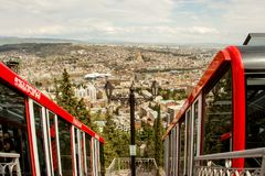 Gruzja tbilisi Kwiecień 2017: - Funicular samochód w Tbilisi i rywalizuje Fotografia Stock