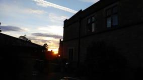 Gry med blå himmel Arkivfoto