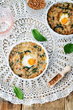 Gryczanego szpinaka serowa jajeczna potrawka zdjęcia royalty free