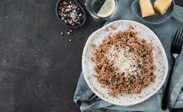 Gryczany risotto z wysuszonymi pieczarkami Obrazy Stock
