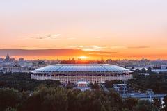 Gryning över den Luzhniki stadion royaltyfri bild