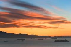 Gryning över fjärden av Nakhodka Far East av Ryssland Östligt (Japan) hav 19 09 2014 royaltyfri fotografi