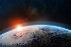 Gryning över planeten En sikt från yttre rymd till yttersidan av jorden stock illustrationer