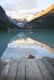 gryning Lake Louise Royaltyfria Foton