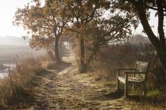 Gryning längs floden Blyth, Suffolk, England Royaltyfri Foto