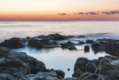 Gryning på Blacket Sea i Sozopol, Bulgarien royaltyfria bilder