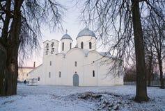 Gryning på domkyrkan av St John det baptistiskt i Pskov Arkivfoton