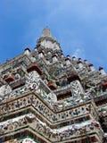 gryning som ser upp tempelet Royaltyfri Foto