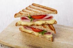 Grzanki kanapka piec na grillu obrazy royalty free