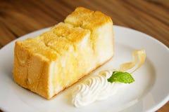 Grzanki masła pełni miód Zdjęcia Royalty Free