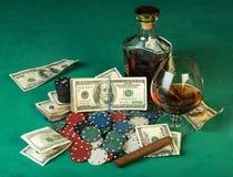 Grzebaków układ scalony i dolarowi rachunki Zdjęcia Royalty Free