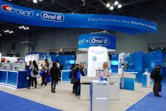 Grzebienia oralny budka przy Wielkim NY Stomatologicznym spotkaniem w Nowy Jork Obrazy Royalty Free