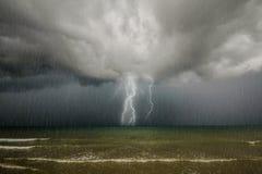 Grzmot burza. zdjęcie stock