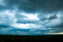 grzmot burzy nieba Podeszczowe chmury obrazy stock
