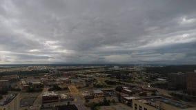 Grzmot chmur ruch nad Północnym Kansas City Missouri zbiory