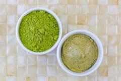 Grzywny japończyka Matcha zielonej herbaty Zmieloni liście proszki, zielona herbata s Fotografia Stock