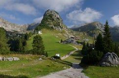 Gschöllkopfpiek met de aantrekkelijkheid van Luchtrofan in Rofan-Alpen, de Brandenberg-Alpen, Oostenrijk, Europa royalty-vrije stock foto's