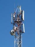 GSM antenne op blauwe hemel Stock Foto