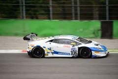 GT italiana ahueca el ¡n de Lamborghini Huracà que compite con en Monza Fotos de archivo libres de regalías