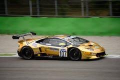 GT italiana ahueca el ¡n de Lamborghini Huracà que compite con en Monza Fotografía de archivo libre de regalías