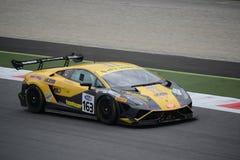 GT italiana ahueca Lamborghini Gallardo en Monza Fotografía de archivo