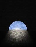 Gåtaman i tunnel Arkivbild