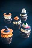Gâteaux de tasse de Halloween Photographie stock