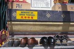Guárdese de ladrones del zapato fotografía de archivo libre de regalías