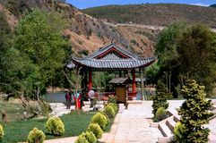 Gua Yin Xia, Chine : Jardins de village photo stock