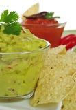 Guacamole mit Tacos stockbilder