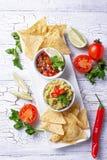 Guacamole, salsa σάλτσας ντοματών και nachos τσιπ στοκ εικόνες με δικαίωμα ελεύθερης χρήσης