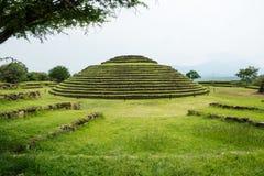 Guachimontones rundapyramider fotografering för bildbyråer