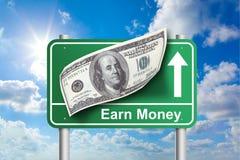 Guadagni il segno dei soldi Fotografia Stock Libera da Diritti