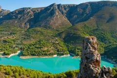 Guadalest水坝在阿利坎特。 库存照片