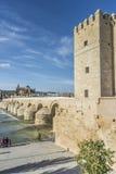 Guadalquivir flod i Cordoba, Andalusia, Spanien Royaltyfri Fotografi