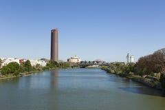 Guadalquivir rzeki i rówieśnika Seville punkty zwrotni obrazy stock