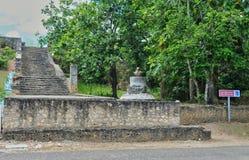 Guadalupe, pequeno canal, França - podem 10 2010: etapas dos escravos Imagens de Stock