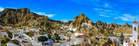 Guadix forntida by av Andalusia Spanien: stort landskap royaltyfri fotografi