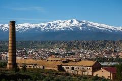 Guadix, sierra montagne snowcapped della Spagna di Nevada Immagine Stock Libera da Diritti