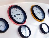 Guages контроля двигателя быстроходного катера Стоковое фото RF