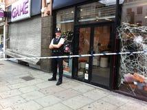 Guaime di agitazione l'8 agosto 2011 di Londra Fotografie Stock Libere da Diritti
