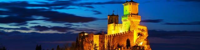 Guaita堡垒在登上Titano的在日落在圣马力诺 库存图片