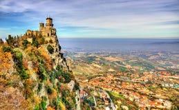 Guaita, uma torre de São Marino fotos de stock