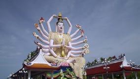 Guan Yin statua przy Plai Laem świątynią Główny symbol i Popularny wyspa punkt zwrotny - Turystyka i zwiedzać zdjęcie wideo