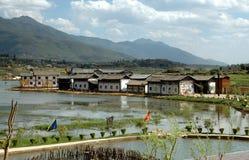 Guan Yin Xia, Cina: Risaie di riso e del villaggio Fotografia Stock Libera da Diritti