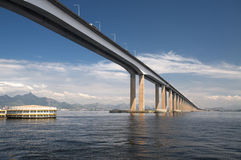 Guanabara Bay Bridge. The largest bridge in Brazil, built in mixed system of steel and concrete, over hte Guanabara bay in Rio de Janeiro. It's a 8.25 miles long Royalty Free Stock Images