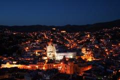 Guanajuato entro la notte Fotografie Stock