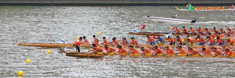Guangzhou 2015 Dragon Boat Race international 4 Images stock