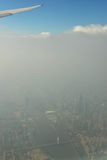Guangzhou en brouillard et brume, ville de la Chine sous la pollution atmosphérique, pollution atmosphérique de ville de Canton,  Photo libre de droits